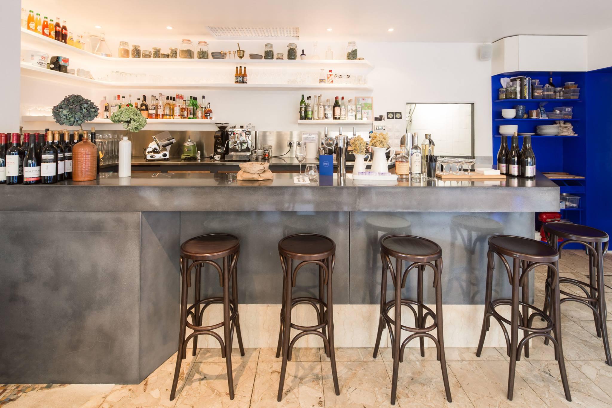 Bar du restaurant Etsi à Paris