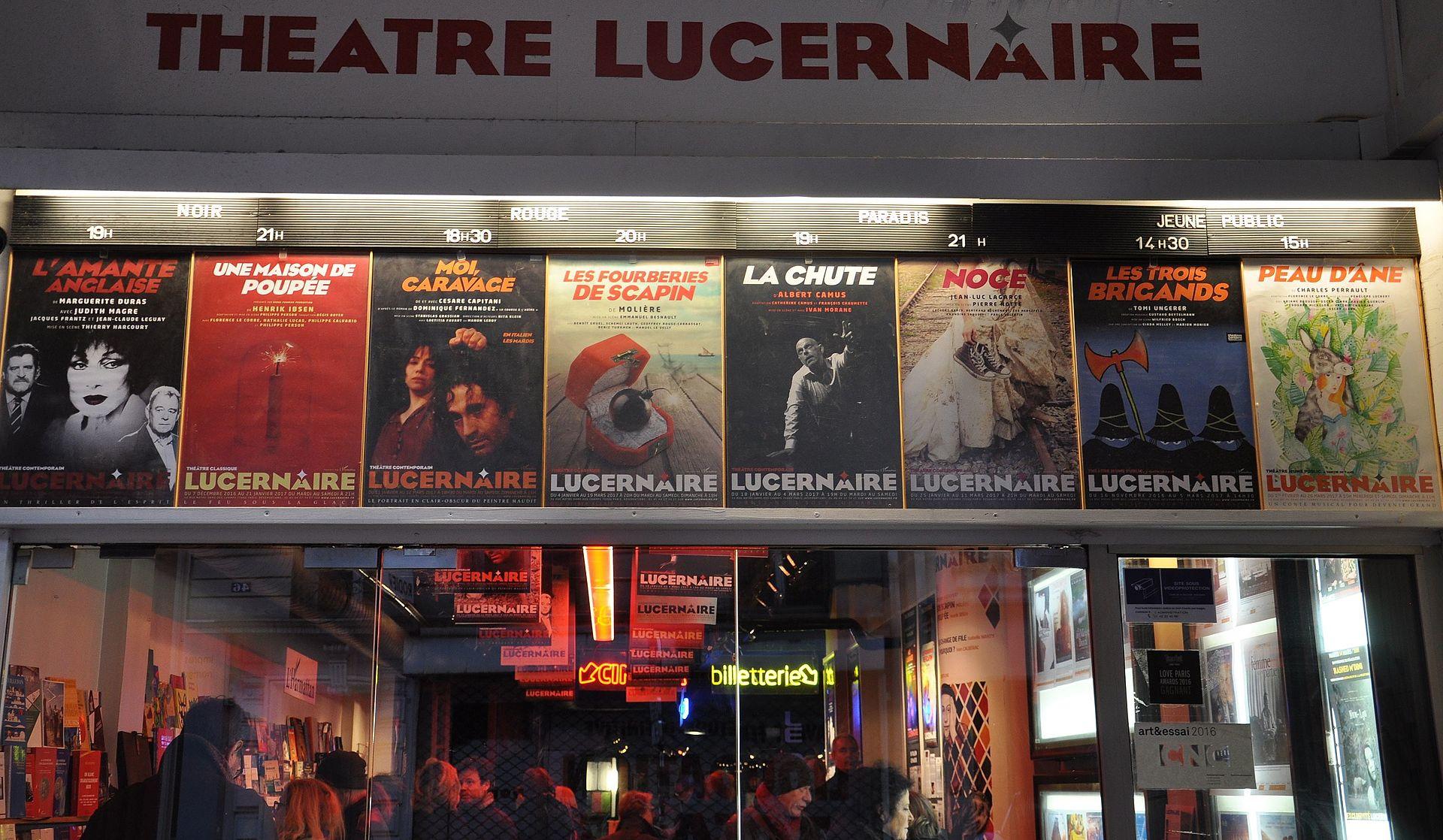 Devanture du théâtre Le Lucernaire
