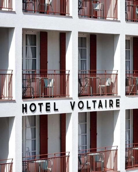 Façade de l'hôtel Voltaire
